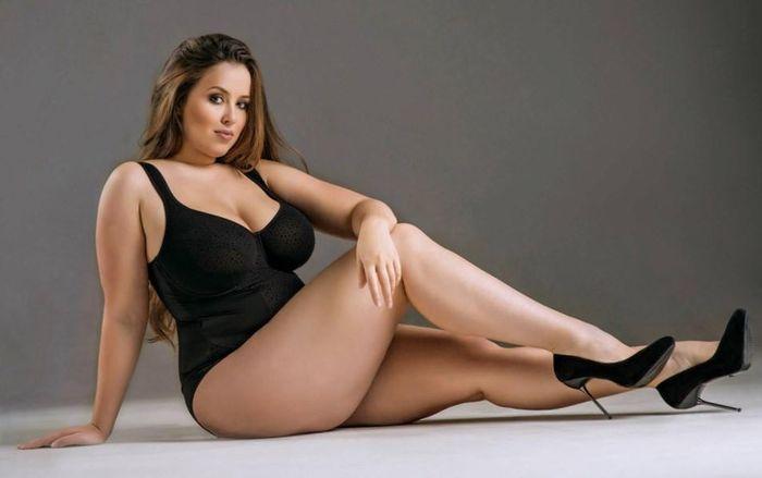 Полные модели секси