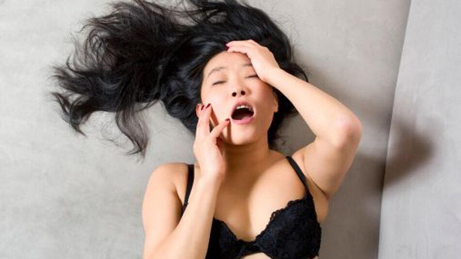 Почему некоторые женщины получают только клиторный оргазм?